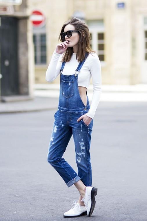 look-con-salopette-di-jeans